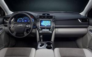 Toyota-Camry-Hybrid-2012-Interiors-Design